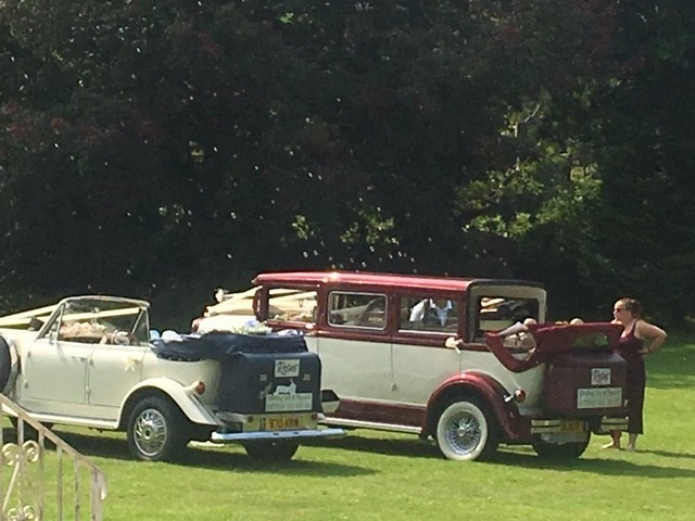 Roses Wedding Cars of Plymouth