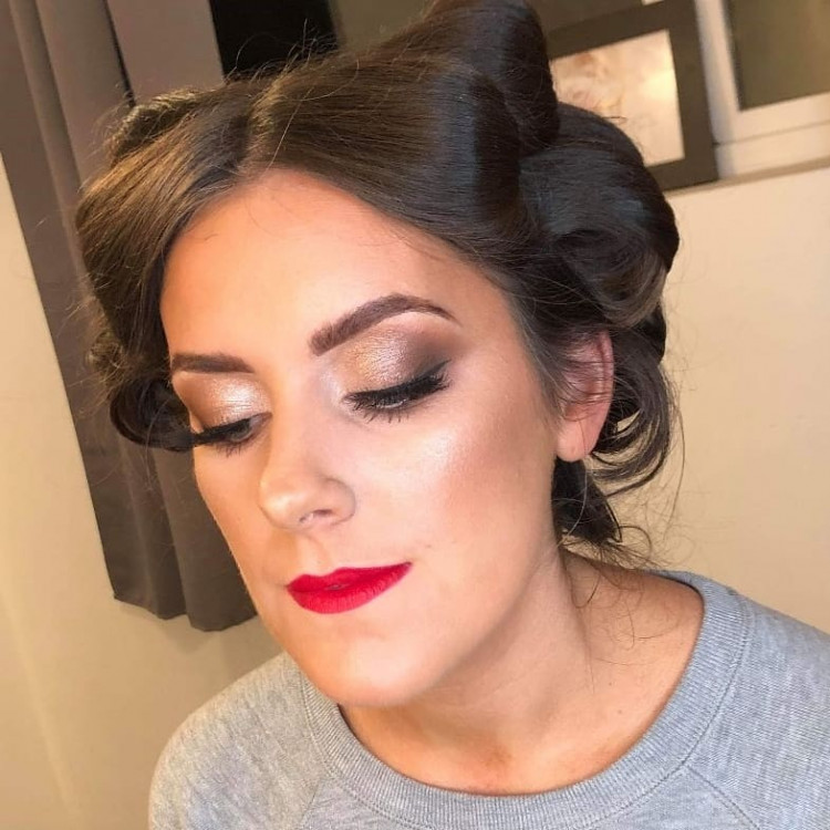 Hayley Chambers Makeup